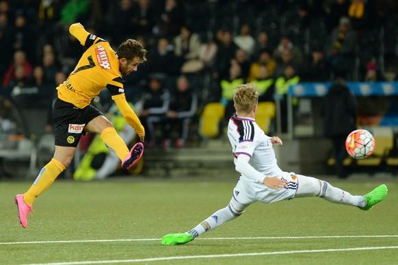 Bern, 23.9.2015, Fussball Super League BSC Young Boys - FC Basel. YBs Miralem Suljemani (Nr. 7) trifft zum 2:1.  (Daniel Teuscher/EQ Images)