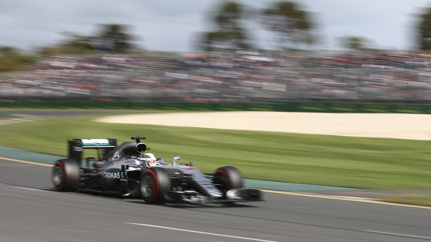 Mercedes driver Lewis Hamilton of Britain steers his car on turn two during the third practice session at the Australian Formula One Grand Prix at Albert Park in Melbourne, Australia, Saturday, March 19, 2016. The season's opening race will be held here on Sunday March 20. (AP Photo/Rob Griffith)
