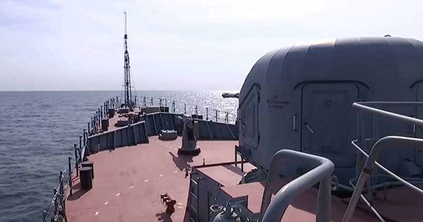 epa04967431 A handout frame grab taken from a video footage made available on the official website of the Russian Defence Ministry on 07 October 2015 shows a warship of the Caspian Flotilla in the deployment area in the south-western Caspian Sea. According to information published on the official website of the Russian Defence Ministry, the warships of the Caspian Flotilla carried out massive strikes against Islamic State facilities in Syria by sea-based cruise missiles which passed through the airspace of Iran and Iraq and hit targets.  EPA/RUSSIAN DEFENCE MINISTRY PRESS SERVICE/HANDOUT BEST QUALITY AVAILABLE HANDOUT EDITORIAL USE ONLY/NO SALES