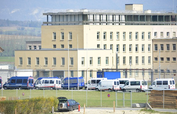 SUISSE PRISON BOCHUZ OPERATION POLICE
