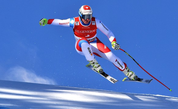 epa05733814 Beat Feuz of Switzerland in action during the men's Super-G race of the FIS Alpine Skiing World Cup event in Kitzbuehel, Austria, 20 January 2017.  EPA/CHRISTIAN BRUNA