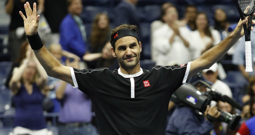 epa07796486 Roger Federer of Switzerland reacts after defeating Sumit Nagal of India during their match on the first day of the US Open Tennis Championships the USTA National Tennis Center in Flushing Meadows, New York, USA, 26 August 2019. The US Open runs from 26 August through 08 September.  EPA/JOHN G. MABANGLO