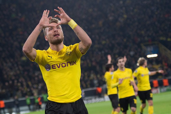 epa04522234 Dortmunds Ciro Immobile celebrates scoring the 1-0 during the UEFA Champions League group D match Borussia Dortmund vs RSC Anderlecht in Dortmund, Germany, 09 December 2014.  EPA/MARIUS BECKER