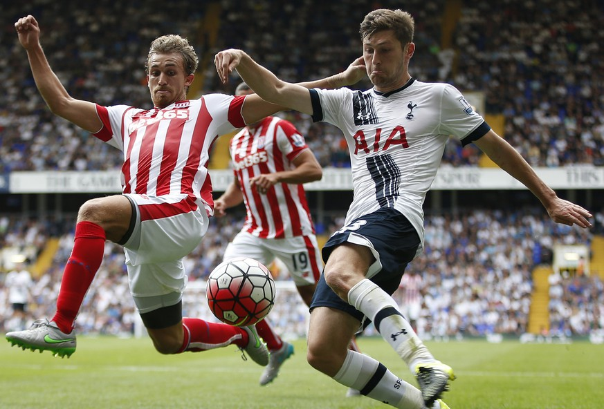 Football - Tottenham Hotspur v Stoke City - Barclays Premier League - White Hart Lane - 15/8/15