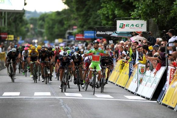 10.06.2015 - Radsport, Criterium du Dauphine 2015, 4. Etappe: Anneyron - Sisteron, Nacer Bouhanni (FRA, Cofidis) gewinnt - Foto: Sirotti (EQ Images) SWITZERLAND ONLY