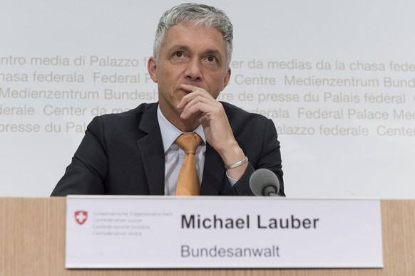 Bundesanwalt Michael Lauber aeussert sich zu den Ndrangheta Ermittlungen in der Schweiz am Montag, 25. August 2014, in Bern. (KEYSTONE/Lukas Lehmann)