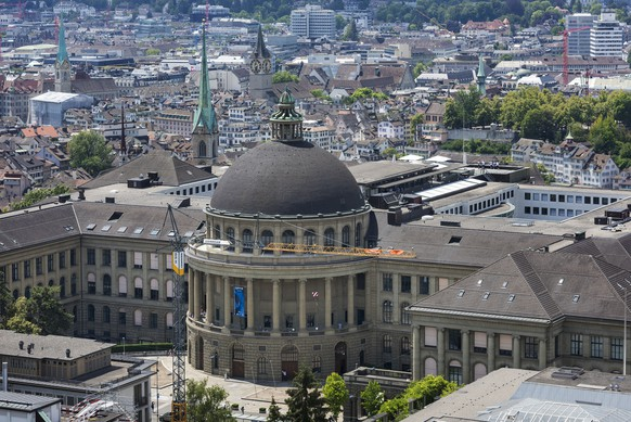 The main building of the Swiss Federal Institute of Technology, ETH, in Zurich, Switzerland, on June 28, 2018. (KEYSTONE/Christian Beutler)