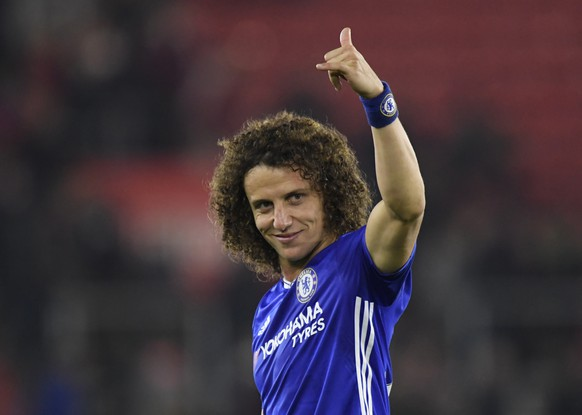 Britain Football Soccer - Southampton v Chelsea - Premier League - St Mary's Stadium - 30/10/16Chelsea's David Luiz celebrates after the matchReuters / Toby MelvilleLivepicEDITORIAL USE ONLY.No use with unauthorized audio, video, data, fixture lists, club/league logos or