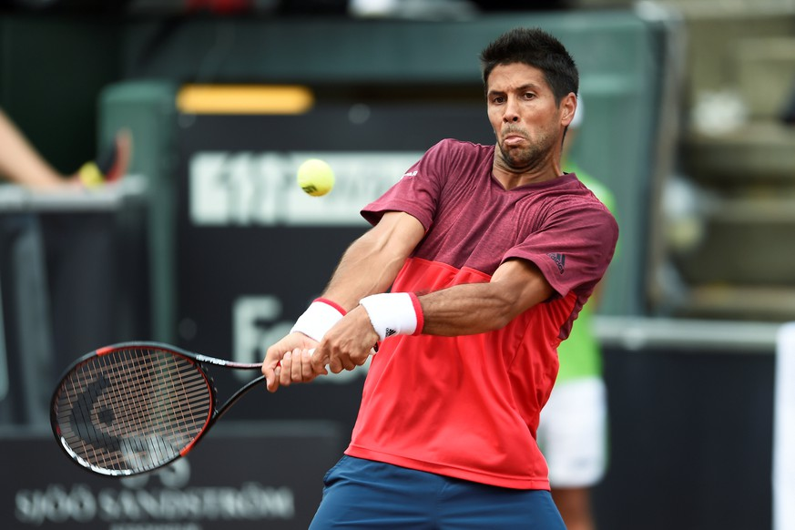 Spain's Fernando Verdasco hits a return against compatriot Albert Ramos-Vinolas during the final match of the Swedish Open in Bastad, Sweden, July 17, 2016. TT News Agency/Bjorn Lindgren/via Reuters FOR EDITORIAL USE ONLY.THIS IMAGE HAS BEEN SUPPLIED BY A THIRD PARTY. IT IS DISTRIBUTED, EXACTLY AS RECEIVED BY REUTERS, AS A SERVICE TO CLIENTS. SWEDEN OUT.