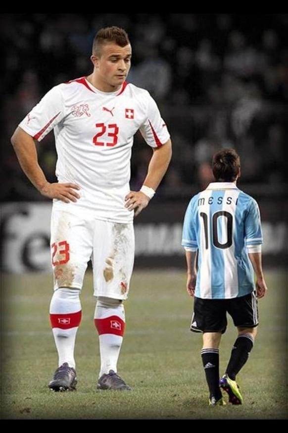 Shaqiri gross Messi klein