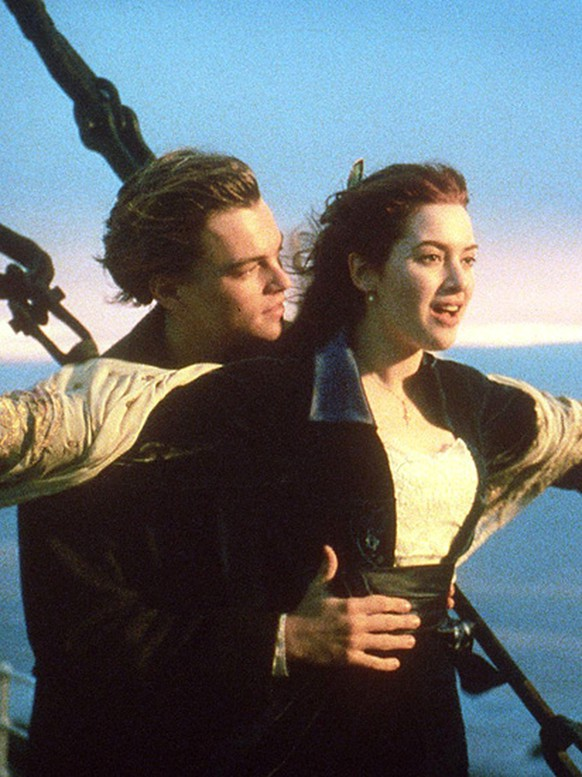 Actors Leonardo DiCaprio (L) and Kate Winslet (R) in a scene from the movie
