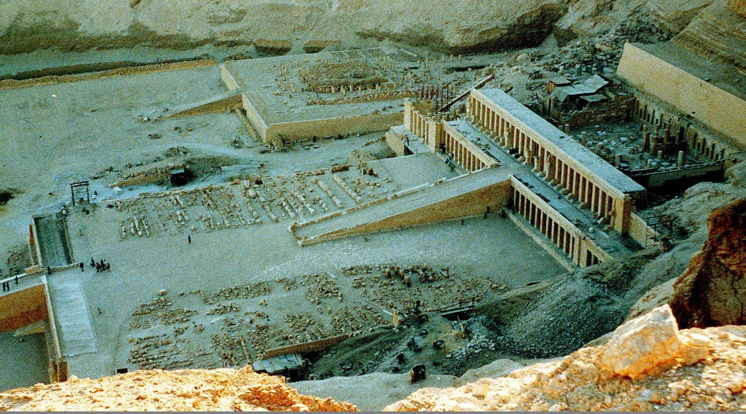 An undated file photo of the Hatschepsut funeral temple in Luxor where 17 NOV suspected Moslem militants opened fire on tourists. Twenty-eight people, including 11 foreign tourists, were killed in the attack.  The temple is situated in the Valley of the Queens in Luxor. The bus was said to be carrying tourists from Japan, Germany, Spain and Arab countries.