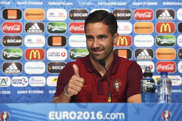 epa05362575 Portugal's Joao Moutinho gestures during a press conference at Stade Geoffroy Guichard in Saint-Etienne, France, 13 June 2016. Portugal will face Iceland in the UEFA EURO 2016 group F preliminary round match in Saint-Etienne on 14 June 2016.  EPA/UEFA (Handout photo provided by UEFA. Only editorial use relating to the event described is permitted. Photo may be distributed to third parties to use for the same purpose provided that no charge is made) HANDOUT EDITORIAL USE ONLY/NO SALES/NO ARCHIVES