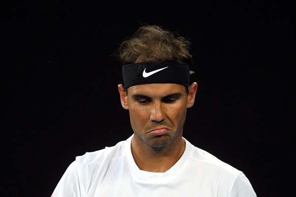 epa05753734 Rafael Nadal of Spain reacts during his Men's Singles semifinal match against Grigor Dimitrov of Bulgaria at the Australian Open Grand Slam tennis tournament in Melbourne, Australia, 27 January 2017.  EPA/LUKAS COCH  AUSTRALIA AND NEW ZEALAND OUT