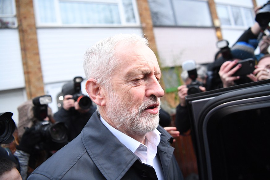 epa07288847 Britain's opposition Labour Party leader Jeremy Corbyn leaves his home in London, Britain, 16 January 2019. Britain's Prime Minister May is facing a confidence vote in parliament brought about by Corbyn after she lost the The Meaningful Vote parliamentary vote on the EU withdrawal agreement oln 15 January.  EPA/NEIL HALL