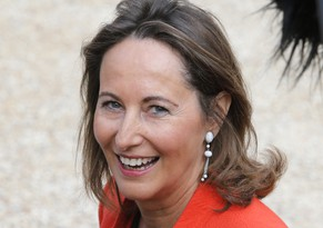 FILE - In this Sept.12, 2012 file photo, France's Segolene Royal arrives for a meeting of the Regional Council presidents, at the Elysee Palace. Royal, French President Francois Hollande's former partner, has been named Wednesday April, 2, 2014 as Minister of Environment and Energy. (AP Photo/Francois Mori, File)