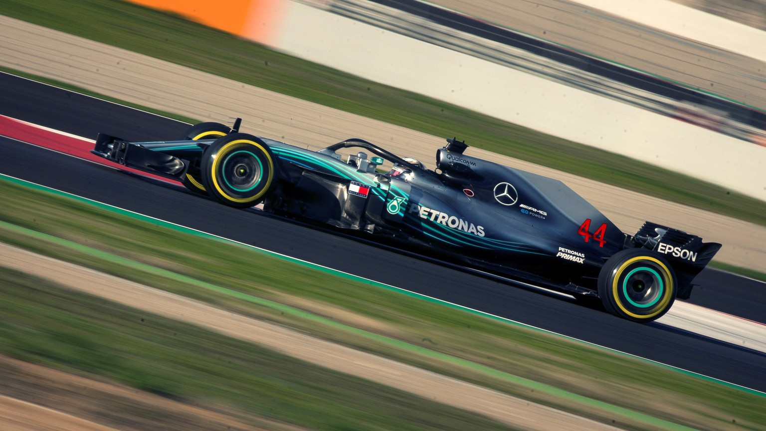 epa06585138 British Formula One driver Lewis Hamilton of Mercedes in action during the second Formula One pre-season test sessions at Circuit de Barcelona-Catalunya race track in Montmelo, Spain, 06 March 2018. The testings take place from 06 to 09 March 2018.  EPA/Enric Fontcuberta