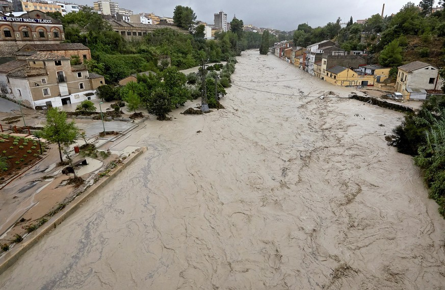 epa07836647 View of the Clariano river after the heavy rains registered in Ontinyent, Valencia, Spain, 12 September 2019. Up to 297 liters per square meter have been registered in 24 hours in Ontinyent, the highest register in the last century. The 'gota fria' or cold drop is affecting the Mediterranean coast with strong winds and rainfalls of 100 liters per square meter.  EPA/Natxo Francés