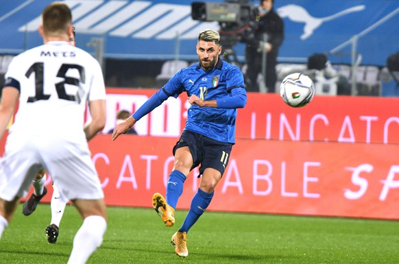 epa08814453 Italy's forward Vincenzo Grifo scores his team's first goal during the friendly soccer match between Italy and Estonia at the Artemio Franchi stadium in Florence, Italy, 11 November 2020.  EPA/CLAUDIO GIOVANNINI