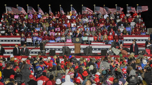 epa08710896 US President Donald J. Trump speaks during a 'Make America Great Again' election campaign rally at Duluth International Airport in Duluth, Minnesota, USA, 30 September 2020. The US presidential elections is slated to be held on 03 November 2020.  EPA/CRAIG LASSIG