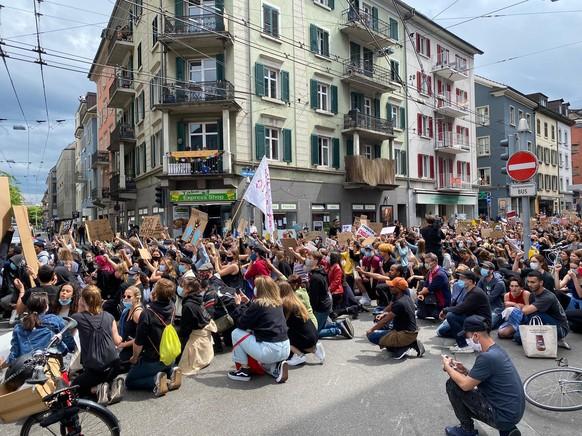 Demonstration gegen Rassismus in Zuerich