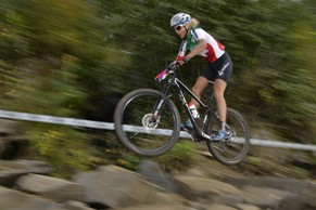 Swiss Cyclist Jolanda Neff speeds down the track to reach the first place of U23 Women Cross Country, CX, UCI Mountain Bike, MTB, World Championships in Hafjell, Norway, Friday September 5, 2014. (KEYSTONE/Maxime Schmid)