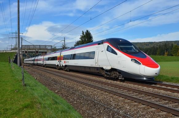 So sieht der neue Gotthard-Hochgeschwindigkeitszug «Giruno» aus Der Giruno ist nicht schlecht, aber der ETR 610 ist nach wie vor mit Abstand der schönste Zug der SBB!