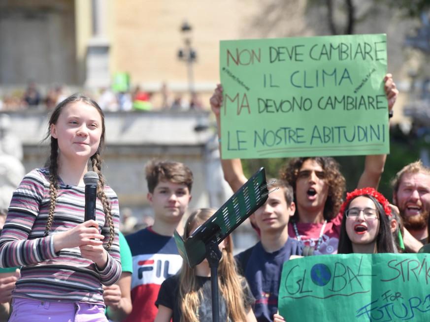Tausende protestieren mit Greta Thunberg in Rom - Politik