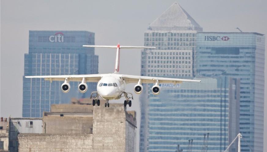 Wenn Der Flieger Nicht In Den Flughafen Passt Eurowings