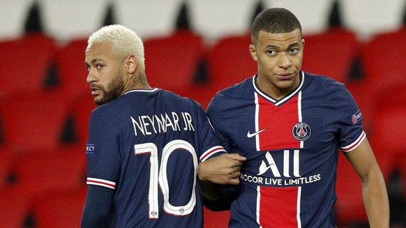 epa08840005 Neymar Jr (L) and Kylian Mbappe of PSG during the UEFA Champions League Group H soccer match between Paris Saint Germain (PSG) and RB Leipzig in Paris, France, 24 November 2020.  EPA/YOAN VALAT