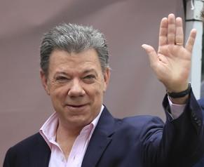 Juan Manuel Santos bleibt Präsident in Kolumbien - 7213762555251401