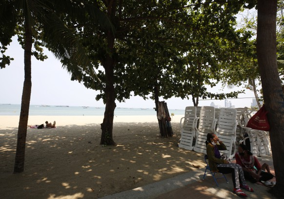 epa08352753 The beach chairs were tidy on an empty beach in Pattaya city, Chonburi province, Thailand, 09 April 2020. Pattaya city will closed for full lockdown to outsiders from 2pm. on 09 April 2020 for prevent the spread of contain the pandemic of COVID-19 disease caused by the SARS CoV-2 coronavirus for 21 days after the number of infections rose in Pattaya.  EPA/NARONG SANGNAK
