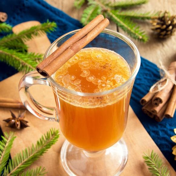 Vergiss den Glühwein! 11 alternative Winter-Cocktails, die auch von innen wärmen