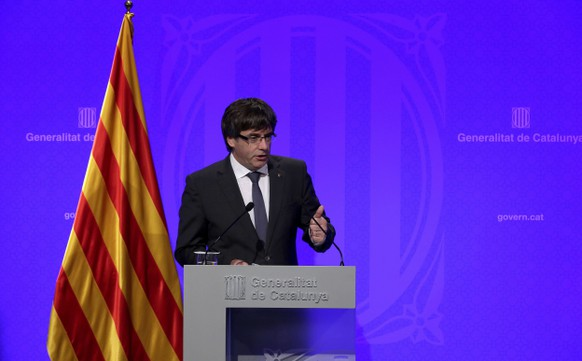 epa06239943 Catalan President, Carles Puigdemont, gives a press conference, in Barcelona, northeastern Spain, 02 October 2017. Puigdemont asked for an 'international mediation' to deal with the current situation in Catalonia and claimed for the 'withdrawal of the police forces' deployed in the region. Catalonia held the previous day an independence referendum, that was celebrated in spite of it had been banned by the Constitutional Court. A day after of the illegal referendum, a high tension atmosphere is present between the Catalan Government and the Spanish central Government after the consequent police forces' actions, with an open door to a possible unilateral declaration of independence by the Catalan Government.  EPA/ALBERTO ESTEVEZ