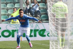 epa04421406 Napoli's Jose' Callejon jubilates after scoring a goal against Sassuolo during the Italian Serie A soccer match Sassuolo-Napoli at Mapei Stadium in Reggio Emilia, Italy, 28 September 2014.  EPA/SERENA CAMPANINI
