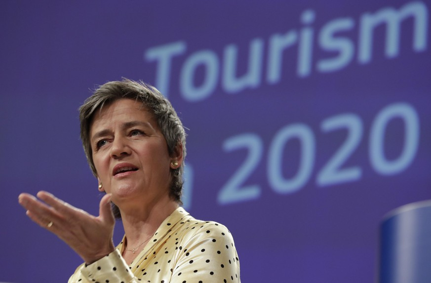 epa08418877 EU Commission Vice-President Margrethe Vestager gives a press conference on the strategic orientations of the  European Tourism and Transport Package at European Commission in Brussels, Belgium, 13 May 2020.  EPA/OLIVIER HOSLET / POOL