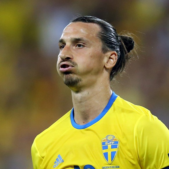 epa05384645 Zlatan Ibrahimovic of Sweden reacts during the UEFA EURO 2016 group E preliminary round match between Sweden and Belgium at Stade de Nice in Nice, France, 22 June 2016.....(RESTRICTIONS APPLY: For editorial news reporting purposes only. Not used for commercial or marketing purposes without prior written approval of UEFA. Images must appear as still images and must not emulate match action video footage. Photographs published in online publications (whether via the Internet or otherwise) shall have an interval of at least 20 seconds between the posting.)  EPA/TOLGA BOZOGLU   EDITORIAL USE ONLY