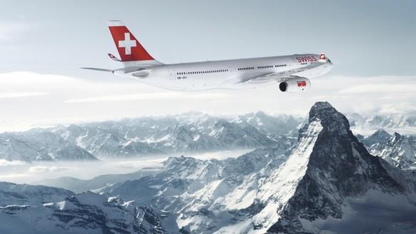 ZU DEN GESCHAEFTSZAHLEN 2013 DER FLUGGESELLSCHAFT SWISS STELLEN WIR IHNEN FOLGENDES THEMENBILD ZUR VERFUEGUNG - Ein Flugzeug der Swiss Airlines des Typs Airbus A330-300 ueberfliegt die Schweizer Alpen beim Matterhorn, aufgenommen am 4. Januar 2011. (KEYSTONE/Str) *** NO SALES, DARF NUR MIT VOLLSTAENDIGER QUELLENANGABE UND IN DIESEM ZUSAMMENHANG VERWENDET WERDEN ***