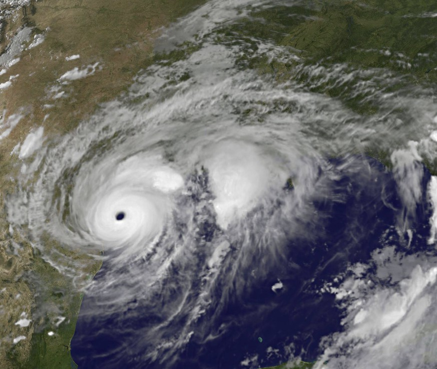 epa06163565 A handout photo made available by NASA shows an image acquired by Geostationary Operational Environmental Satellite system (GOES) Project of Hurricane Harvey approaching Texas, USA, 25 August 2017. Hurricane Harvey made landfall as a category 4 storm with sustained winds of up to 215 km per hour on the night of 25 August.  EPA/NASA/NOAA/GOES PROJECT HANDOUT  HANDOUT EDITORIAL USE ONLY/NO SALES