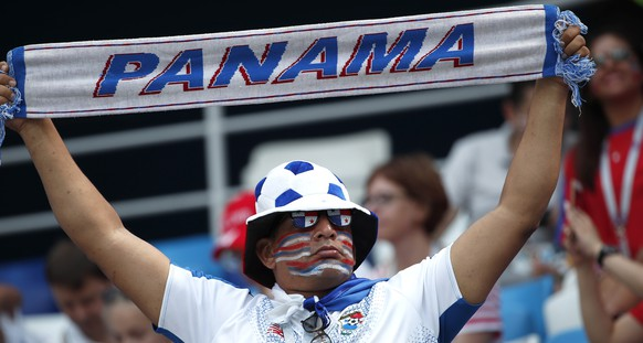 epa06835625 Supporter of Panama cheers prior to the FIFA World Cup 2018 group G preliminary round soccer match between England and Panama in Nizhny Novgorod, Russia, 24 June 2018.  (RESTRICTIONS APPLY: Editorial Use Only, not used in association with any commercial entity - Images must not be used in any form of alert service or push service of any kind including via mobile alert services, downloads to mobile devices or MMS messaging - Images must appear as still images and must not emulate match action video footage - No alteration is made to, and no text or image is superimposed over, any published image which: (a) intentionally obscures or removes a sponsor identification image; or (b) adds or overlays the commercial identification of any third party which is not officially associated with the FIFA World Cup)  EPA/FRANCK ROBICHON   EDITORIAL USE ONLY