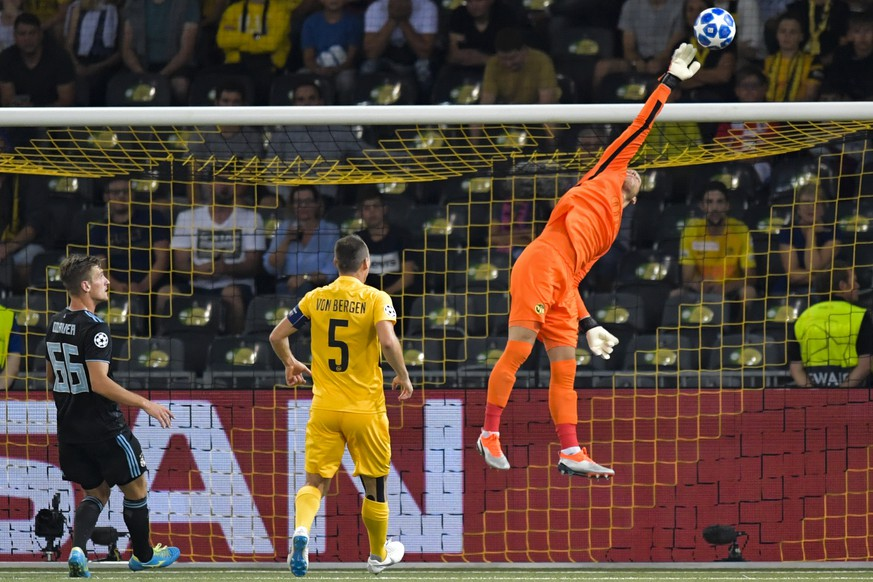 YB goalkeeper David Von Ballmoos in action during the UEFA Champions League playoff match between Switzerland's BSC Young Boys and Croatia's GNK Dinamo Zagreb, in the Stade de Suisse Stadium in Bern, Switzerland, on Wednesday, August 22, 2018. (KEYSTONE/Alessandro della Valle)