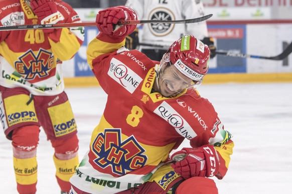 Biels Fabian Luethi, Torschuetze zum 1-0, jubelt im dritten Playoff-Halbfinalspiel der Eishockey National League zwischen dem EHC Biel und dem HC Lugano, am Samstag, 31. Maerz 2018, in der Tissot Arena in Biel. (KEYSTONE/Marcel Bieri)