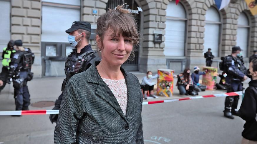 paradeplatz-verhaftungen-wir-hoffen-dass-der-staatsanwalt-die-schikanen-sein-l-sst