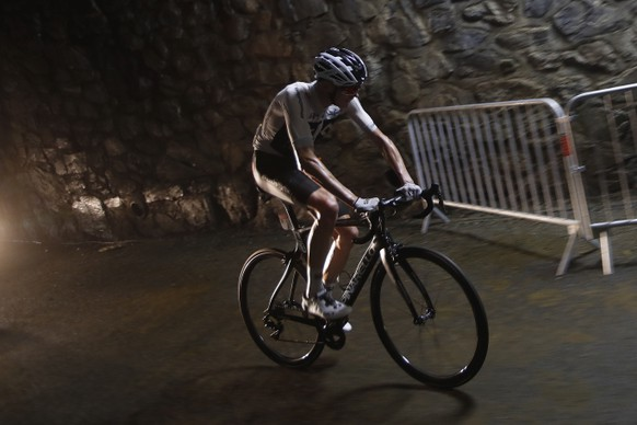 Britain's Chris Froome strains after loosing contact with the group of leaders during the seventeenth stage of the Tour de France cycling race over 65 kilometers (40.4 miles) with start in Bagneres-de-Luchon and finish in Saint-Lary-Soulan, Col du Portet pass, France, Wednesday July 25, 2018. The Tour de France thinks it has some solutions to liven up the action with today's shorter mountain stage with three grueling climbs, including an uphill finish, intermediate bonus sprints, and a Formula One-like grid start. (AP Photo/Christophe Ena)