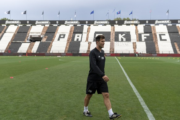 Basel's head coach Raphael Wicky during a training session the day before the UEFA Champions League second qualifying round first leg match between Greece's PAOK FC and Switzerland's FC Basel 1893 in the Toumba stadium in Thessaloniki, Greece, on Monday, July 23, 2018. (KEYSTONE/Georgios Kefalas)
