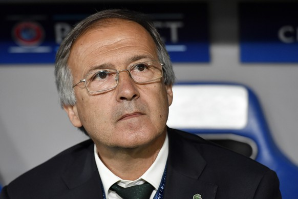 Ludogorets' coach Georgi Dermendzhiev looks on during an UEFA Champions League Group stage Group A matchday 1 soccer match between Switzerland's FC Basel 1893 and Bulgaria's PFC Ludogorets Razgrad in the St. Jakob-Park stadium in Basel, Switzerland, on Tuesday, September 13, 2016. (KEYSTONE/Peter Schneider)