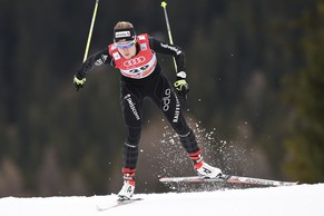 Laurien van der Graaff of Switzerland on her way to the 39th place during the qualification run at the women's sprint competition at the Davos Nordic FIS Cross Country World Cup in Davos, Switzerland, Sunday, December 14, 2014. (KEYSTONE/Gian Ehrenzeller)