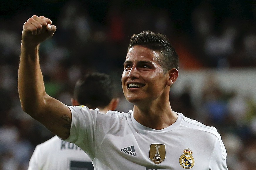 Real Madrid's James Rodriguez celebrates his goal against Real Betis during their Spanish first division soccer match at Santiago Bernabeu stadium in Madrid, Spain, August 29, 2015. REUTERS/Andrea Comas