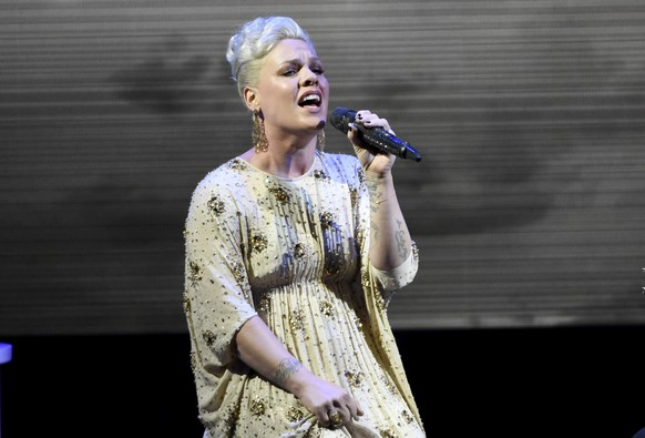 Pink performs at unite4:good and Variety's 2nd annual unite4:humanity at the Beverly Hilton Hotel on Thursday, Feb.19, 2015, in Beverly Hills, Calif.  (Photo by Chris Pizzello/Invision/AP)