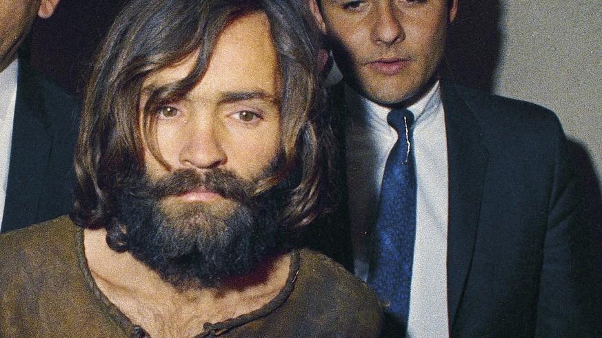 Charles Manson tot: US-Sektenführer stirbt nach 48 Jahren Haft